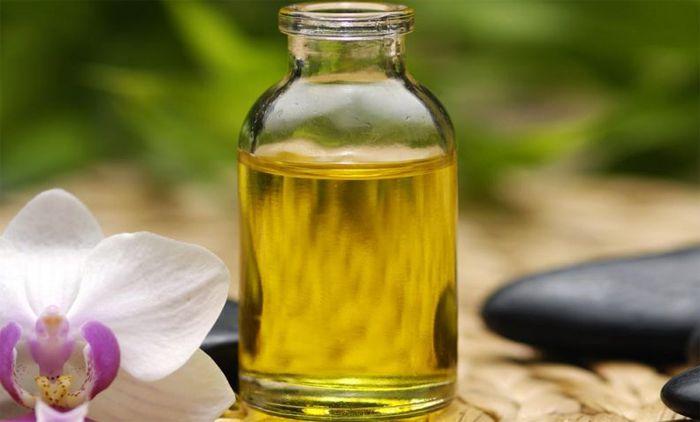 Лучшее народное средство от папилломы — касторовое масло