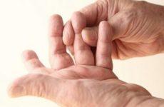 При нажатии болит бородавка на пальце руки — что делать, как лечить?