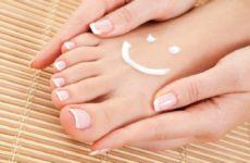Какую опасность таят в себе бородавки на ногах: диагностика и лечение